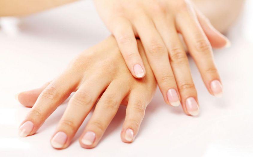 pulizia-regolare-unghie-forti